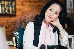 Cùng NSND Lan Hương đi tìm bí quyết chăm sóc da mặt níu giữ tuổi thanh xuân