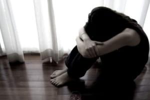 """Bên nhau hơn 10 năm, cô gái vẫn bị chồng bỏ vì bị chê """"già như mẹ tôi"""""""