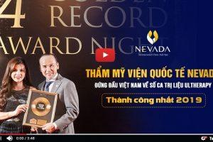 Giám đốc Merz chúc mừng Thẩm mỹ viện Quốc tế Nevada đã nhận được 2 giải thưởng lớn về CN Ultherapy