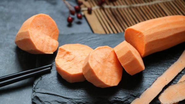 ăn khoai lang giảm cân sau sinh, cách giảm cân sau sinh bằng khoai lang, chế độ ăn khoai lang giảm cân sau sinh, giảm cân sau sinh bằng khoai lang