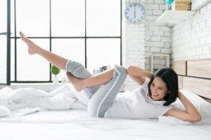 Hãy từ bỏ ngay ý định tìm kiếm bài tập thể dục giảm mỡ bụng trên giường sau bài viết này…