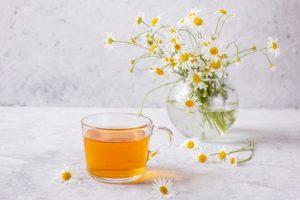 Trà hoa cúc có tác dụng giảm cân không? Mách bạn cách uống trà hoa cúc giúp tiêu mỡ bụng hiệu quả